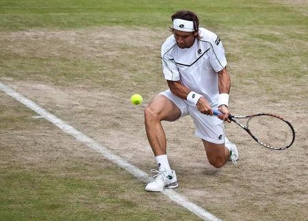 A David Ferrer el tenis se le da bien, los tweets patrocinados, no tanto