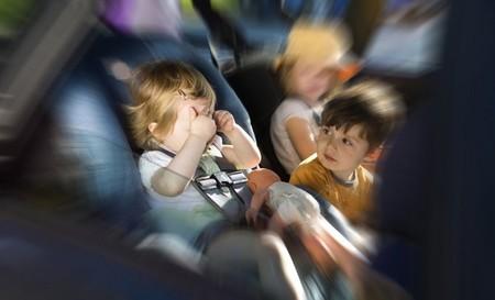 Cómo entretener a los niños durante el viaje