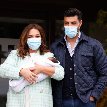 Este es el blazer verde de Paula Echevarría tras su salida del hospital con Miguel Jr. en brazos: tres versiones parecidas