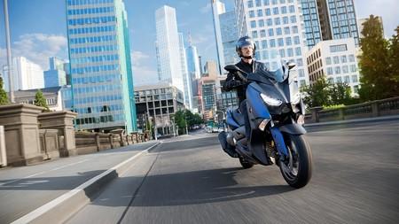 Yamaha-x-max-400-2017-