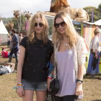 Laura Carmichael y Lily James