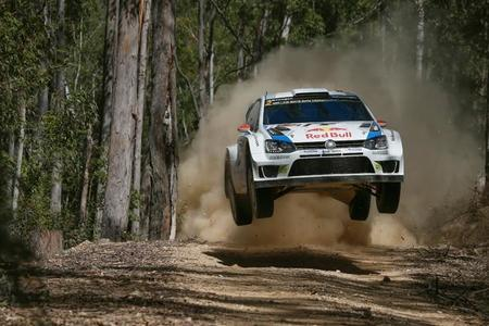 Rally de Australia 2014: Jari-Matti Latvala toma el liderato