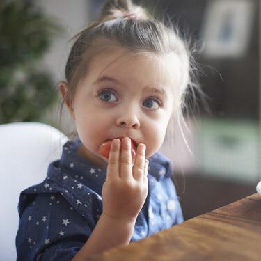 Los niños españoles están lejos de cumplir las recomendaciones de consumo diario de frutas y verduras, según un estudio de la OMS