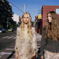 La moda bling bling puede acompañarnos durante el día a día. Zara nos enseña cómo