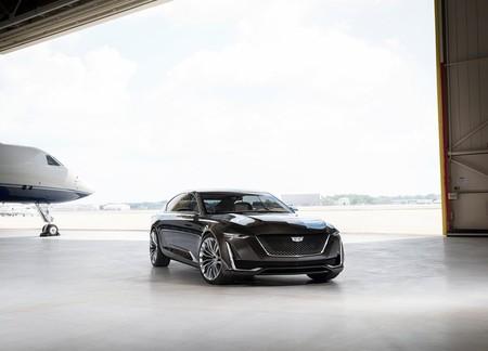 Cadillac aún cree en los sedanes, aparentemente tendrán uno eléctrico de más de 4 millones de pesos