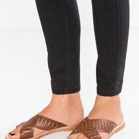 Rebaja en las sandalias Esprit de 49,95 euros a sólo 29,95 euros y envío gratuito en Zalando