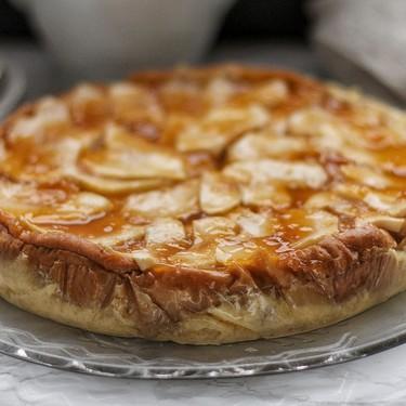 Tarta de manzana y flan: una receta tan fácil de preparar que os sacará de más de un apuro