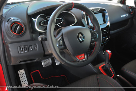 Renault Clio RS 200 EDC interior