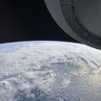 La misión Inspiration4 de SpaceX nos muestra unas alucinantes fotos de la Tierra hechas con réflex Nikon... ¡y con un iPhone!