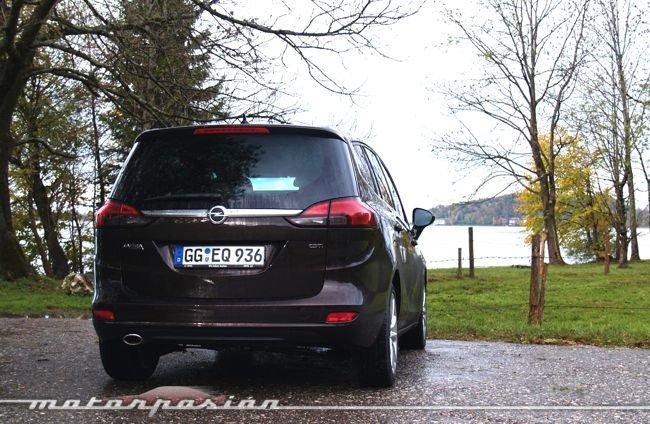 Opel-Zafira-Tourer-21