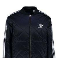 La chaqueta de plumas en azul marino Superstar de Adidas ahora sólo cuesta 54,95 euros en Zalando