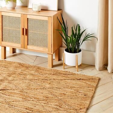 Decorar la casa con estilo y elegancia a precios low-cost es posible. Primark lanza su nueva colección de muebles