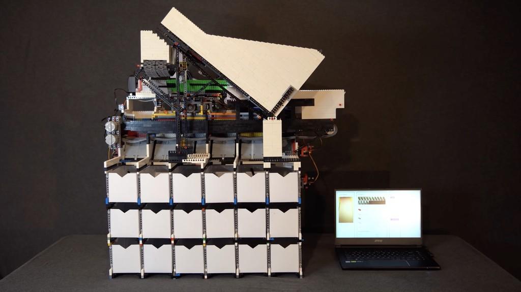 Esta increíble máquina usa redes neuronales para identificar y organizar todas y cada una de las piezas de Lego creadas a día de hoy