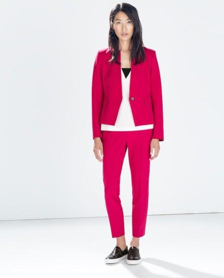traje sastre magenta de Zara