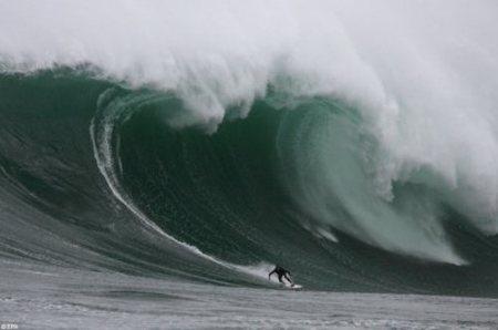 Hawaii: las olas más grandes en medio siglo