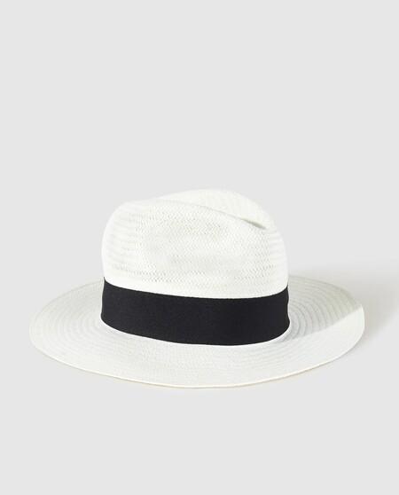 El Street Style De La Semana Confirma Que Los Sombreros En Todas Sus Formas Son El Complemento Cool De Tu Look De Verano 4