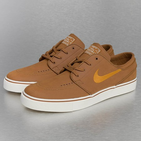 zapatillas nike marron