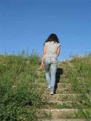 ¿Qué es mejor, subir o bajar escaleras?