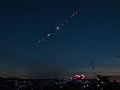 El eclipse solar en fotografías y vídeos: los momentos más espectaculares del fenómeno astronómico de 2017