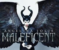 """Angelina Jolie extiende sus alas para el nuevo poster de """"Maléfica"""""""