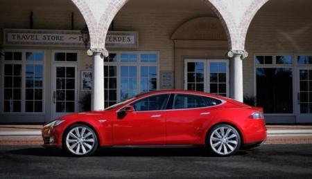 Tesla Model S Rojo Palosverde