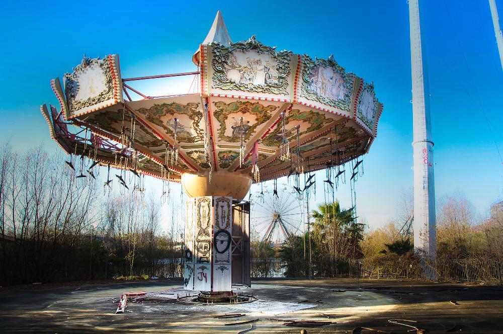 Abandonded Theme Park Seph Lawless 12