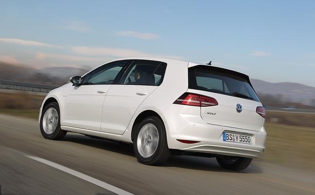 Volkswagen e-Golf 02