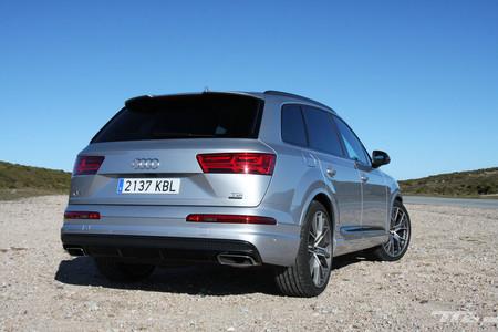 Audi Q7 Ultra trasera