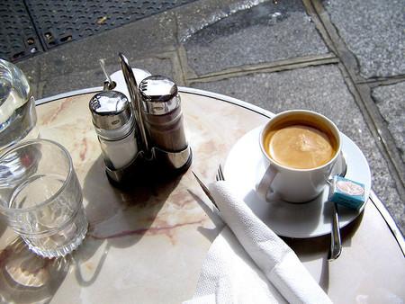 ¿Café au lait, crème o noisette? Cómo pedir un café en París