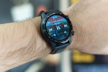 Spotify permitirá descargar música en los smartwatches con Wear OS para escucharla sin conexión