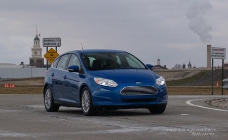 Ford Focus eléctrico toma de contacto en Dearborn (exterior) 02