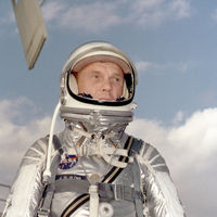 17 momentos milagrosos en la vida de John Glenn, el primer hombre de la NASA en orbitar la Tierra
