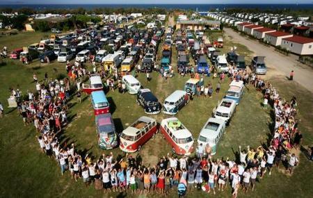 "3000 ""furgoneteros"" Volkswagen se reunieron en Girona"