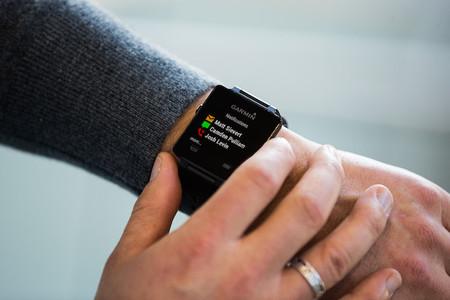Garmin VivoActive, el reloj inteligente que pretende ser competencia de los que ejecutan Android Wear