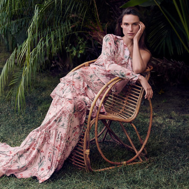 Vamos a desear las 19 prendas de la colección Johanna Ortiz x H&M cargada de prints tropicales, que es de lo más ideal