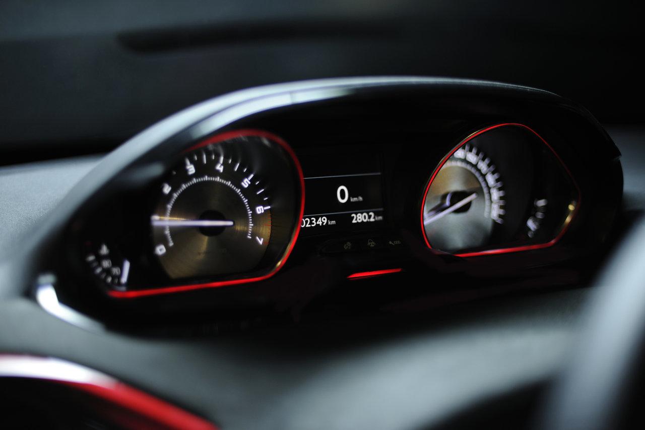 Foto de Peugeot 208 GTi Concept (17/21)