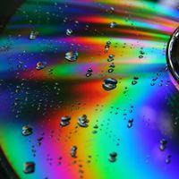 Los diamantes son para siempre, los CDs no: el dilema de dónde almacenar nuestra vida