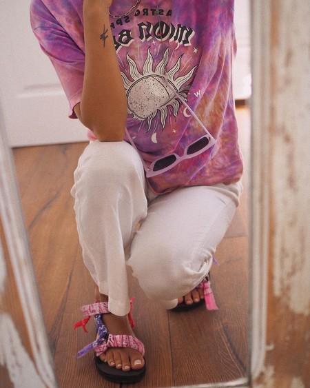 Aún estás a tiempo de sumarte a la tendencia del verano con estas 13 prendas tie-dye que están de rebajas