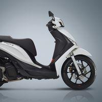 El nuevo Piaggio Medley es un scooter de rueda alta que llega con más potencia y desde 3.499 euros