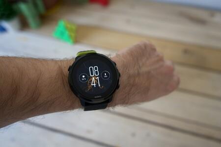 El precio del reloj deportivo Suunto 7 con Wear OS se desploma en Amazon: a su precio mínimo histórico de 263,20 euros