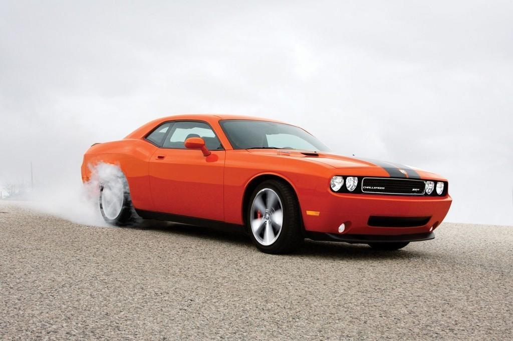 Foto de Dodge Challenger SRT8 (53/103)