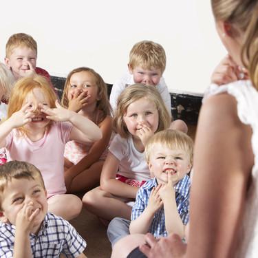 Una clase de Infantil de 20 niños tendrá contacto con más de 800 personas en solo dos días: los riesgos de la vuelta a las aulas