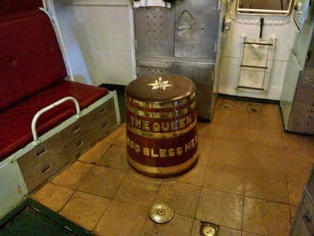 Los orígenes del grog, la bebida alcohólica que 'Monkey Island' parodió