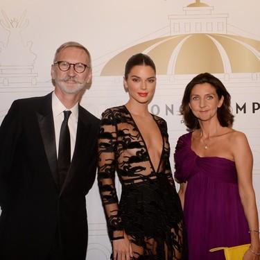 Nadie lleva el naked dress como Kendall Jenner y con este diseño de Longchamp se supera una vez más