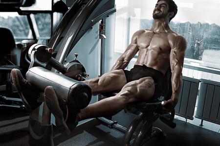 Estas son las máquinas que puedes encontrar en el gimnasio para entrenar tus piernas