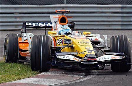 Fernando Alonso le da dos carreras más de margen al R28