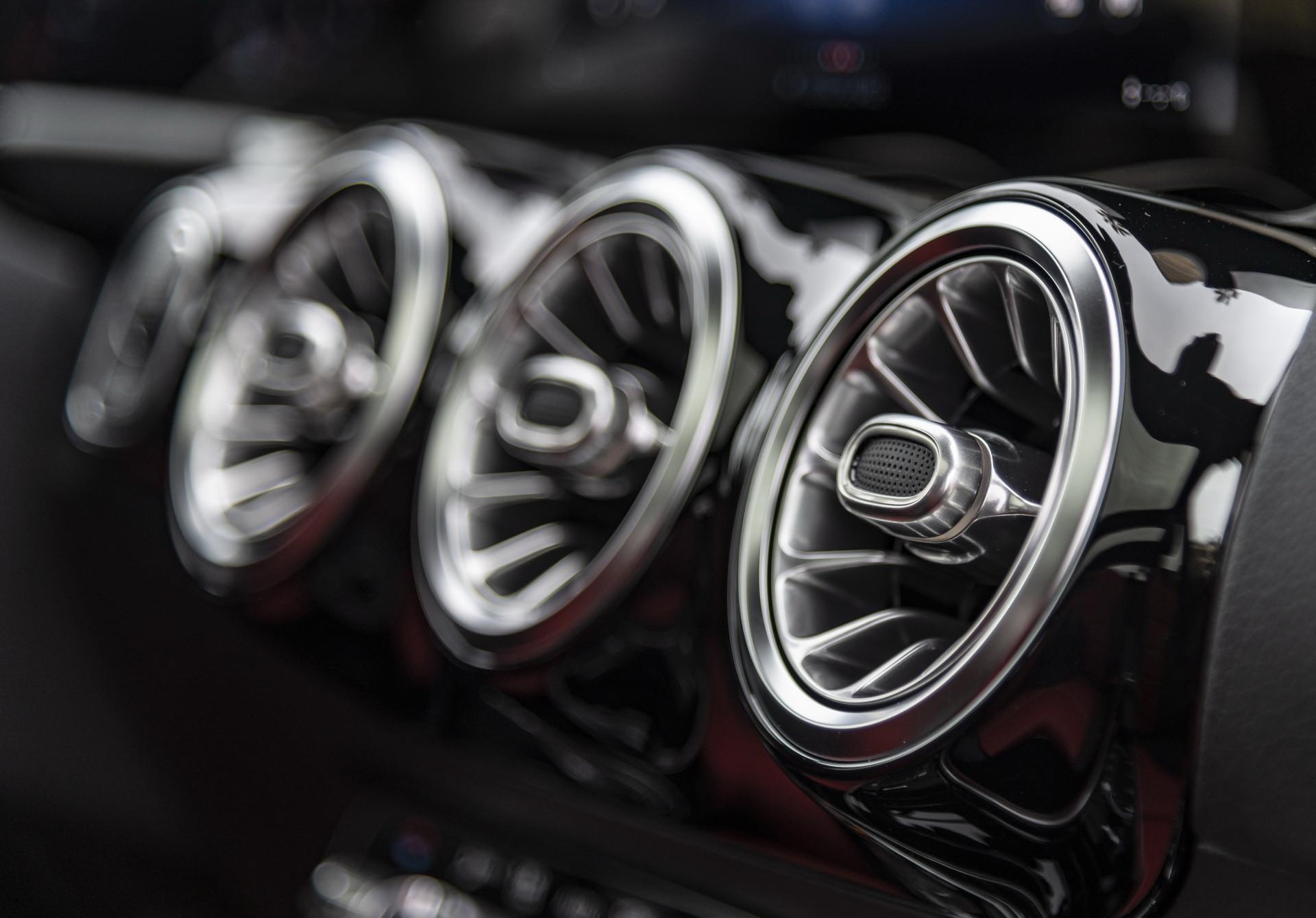 Foto de Mercedes-Benz GLA 2021 (87/103)