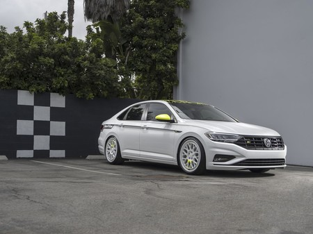 Volkswagen Showcases 34 1600x0w