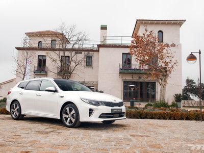 Al volante de los nuevos Kia Optima Sportswagon y Kia Optima PHEV: buenos, bonitos y... ¿baratos?