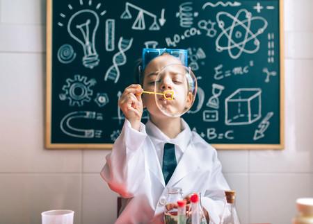 13 experimentos caseros fáciles y divertidos para hacer con los niños